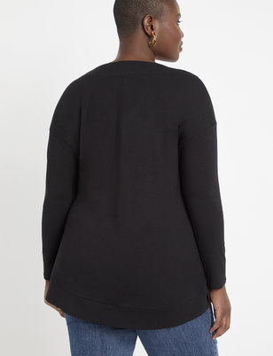 Long Sleeve Essential V-Neck
