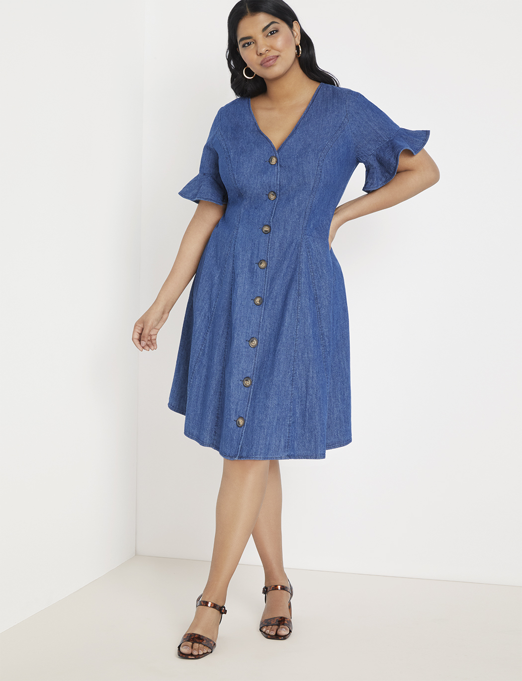Button Front Chambray Dress | Women\'s Plus Size Dresses | ELOQUII