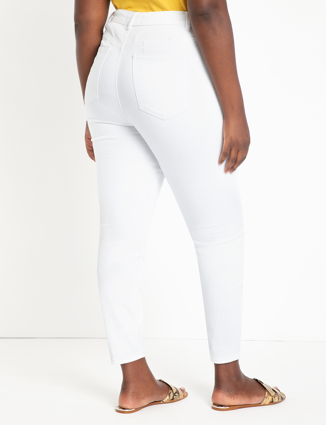 Classic Fit Peach Lift Jean