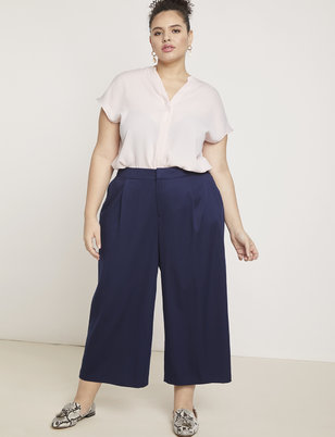 Essential Wide Leg Crop Pant