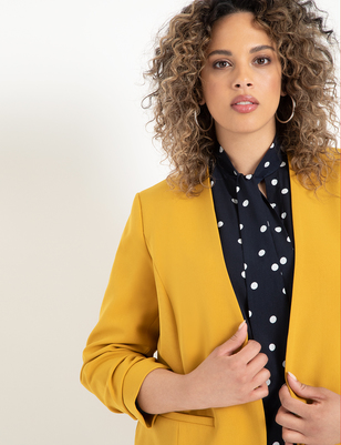 Relaxed Collarless Blazer