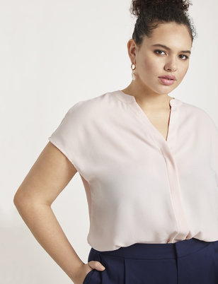 Essential Notch Collar Blouse