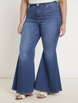 Classic Fit Bell Bottom Flare Leg Jean