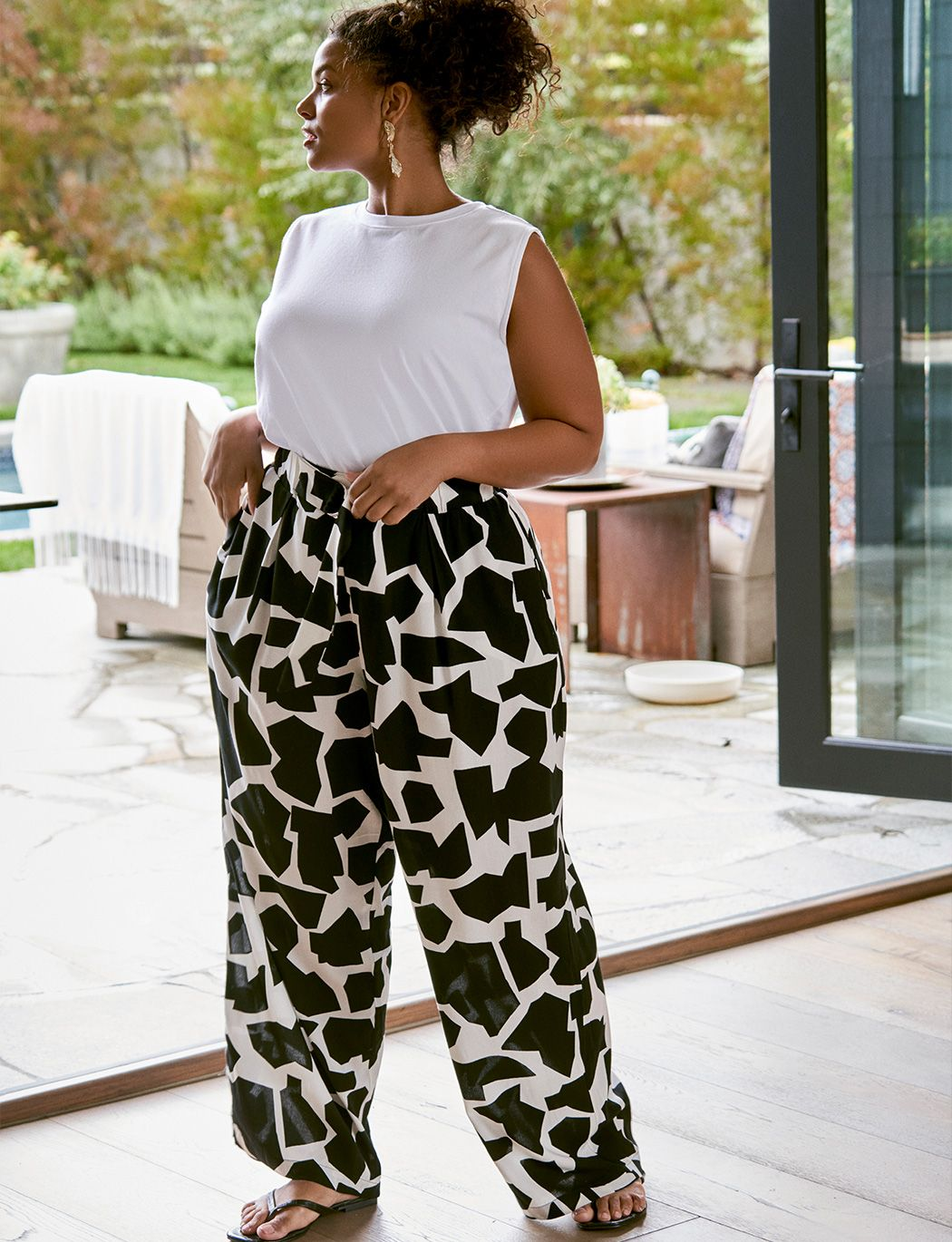Printed Wide Leg Pant with D-ring Detail