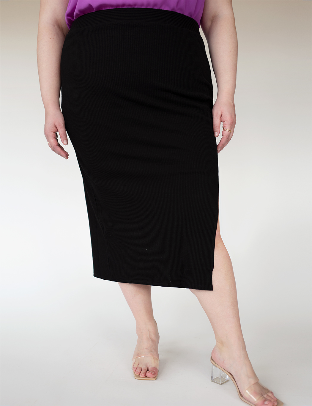 Ribbed Column Skirt with Slit