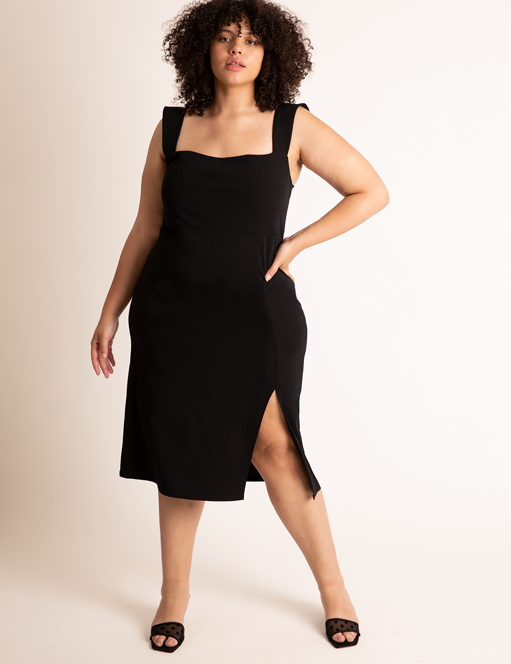 Sleeveless Dress With Slit 19
